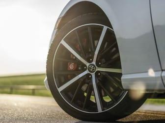 Se quer trocar os pneus da sua viatura, a Caetano City tem a oportunidade ideal para si!