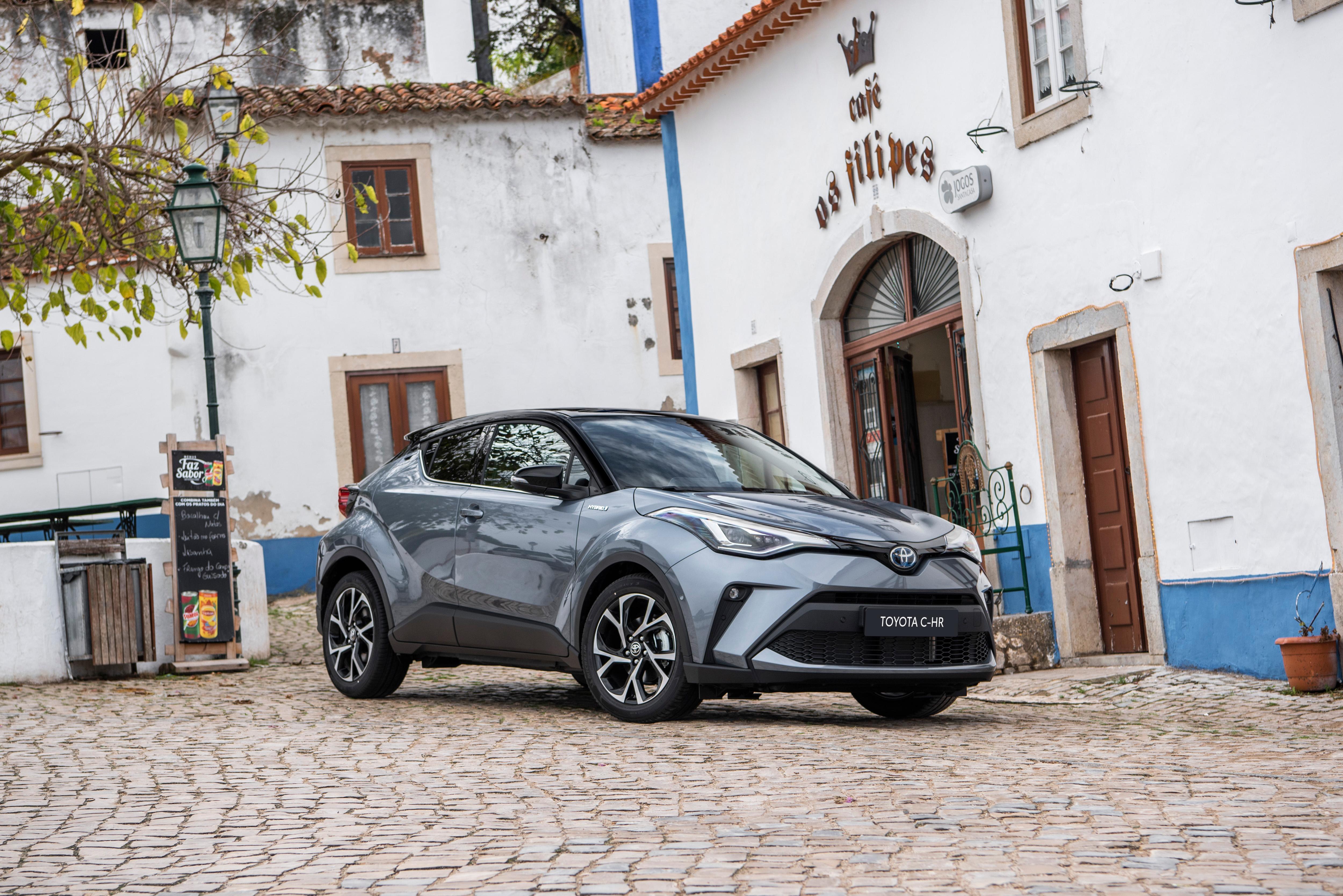 Toyota C-HR carro para viagens em casal