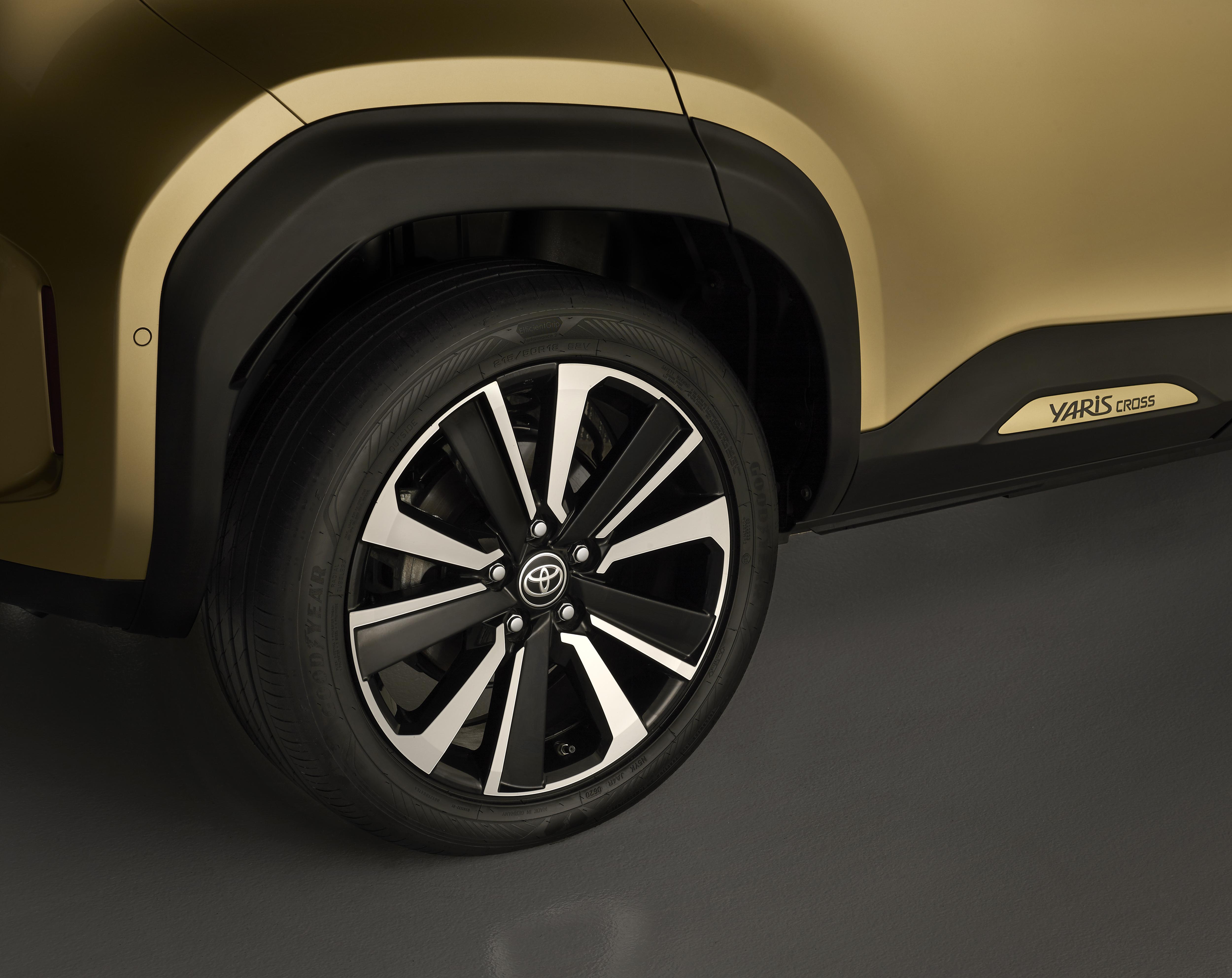 As jantes em liga leve do Toyota Yaris Cross fornecem mais resistência, conforto e segurança ao carro.