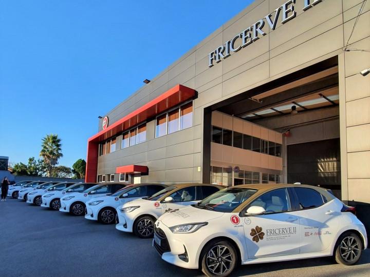 FRICERVE compra 9 viaturas Toyota Yaris Hybrid para deslocações comerciais na Caetano Auto Maia